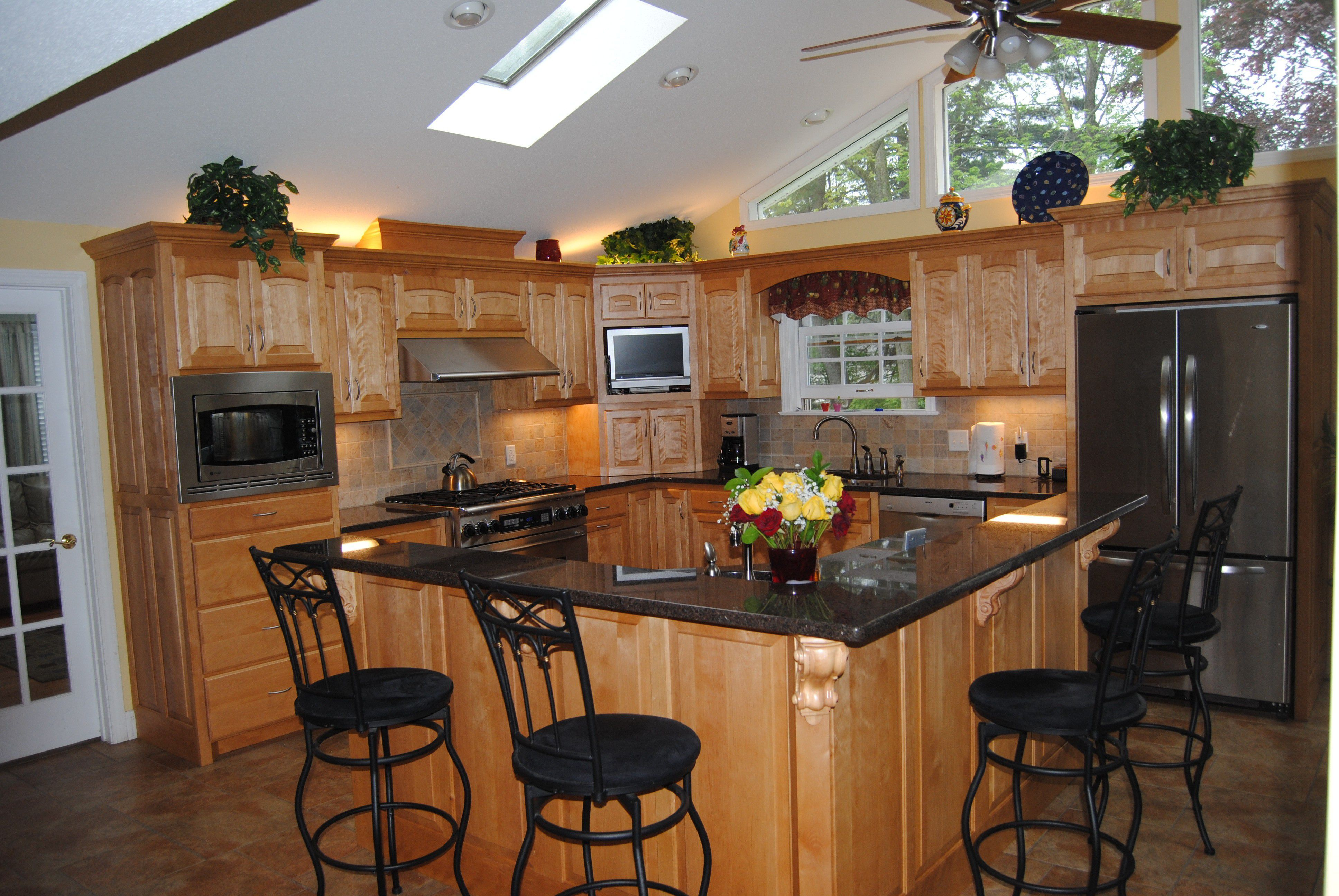 Attractive L Shaped Kitchen Island Closed Black Barstools Color On Amusing Floor Cheap Kitchen Remodel Kitchen Island With Seating L Shape Kitchen Layout