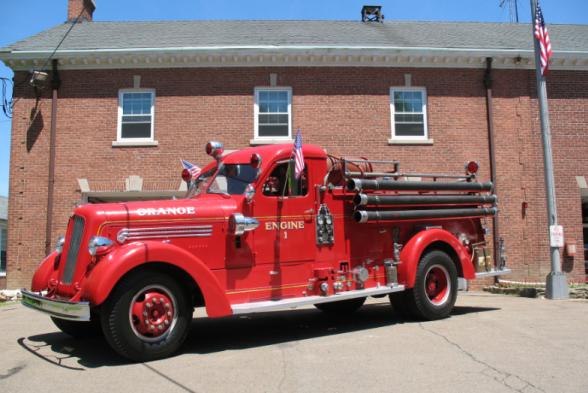 Orange Volunteer Fire Department - Orange, Connecticut - 1950 Seagrave Pumper #antique #firetrucks #pumper #setcom http://setcomcorp.com/firewireless.html