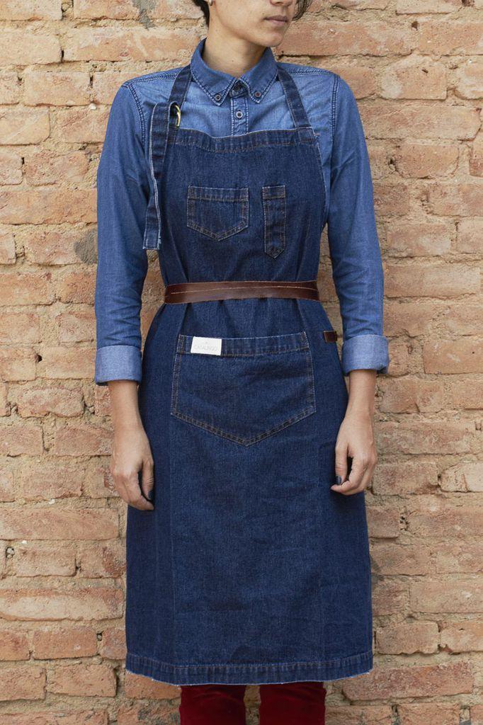Avental Handyman em jeans pesado 100% algodão, lavagem estonada e detalhes  em couro ff10fb69c9