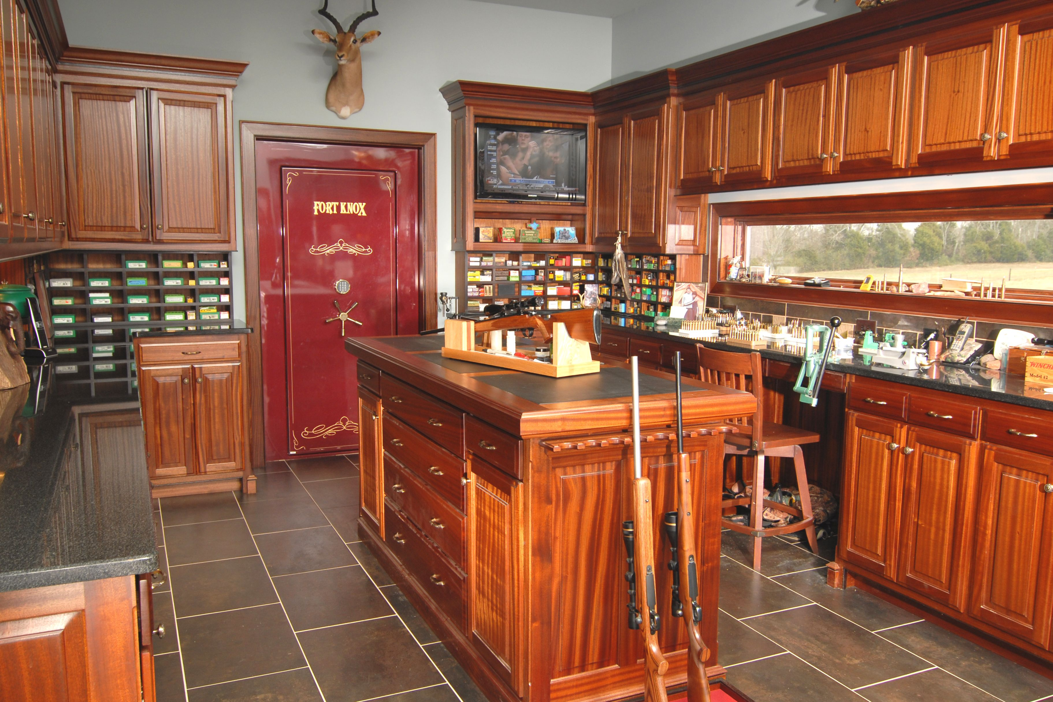 Gun room amp trophy room done hunting - Awesome Gun Room Home Sweet Home Pinterest Awesome Guns Guns And Room