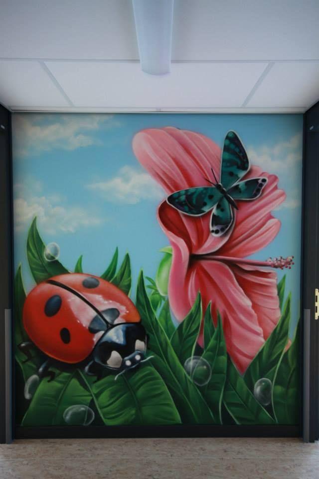 Natuurlijke schildering op een kantoormuur.  #mural #muralart #murals #color #muurschildering #muurdecoratie #malerei #painting #paintings #wallpainting #wallart #murales #graffitimural #urbanwalls #wallporn #colorful #colors #muralista #muralism #muralisimo
