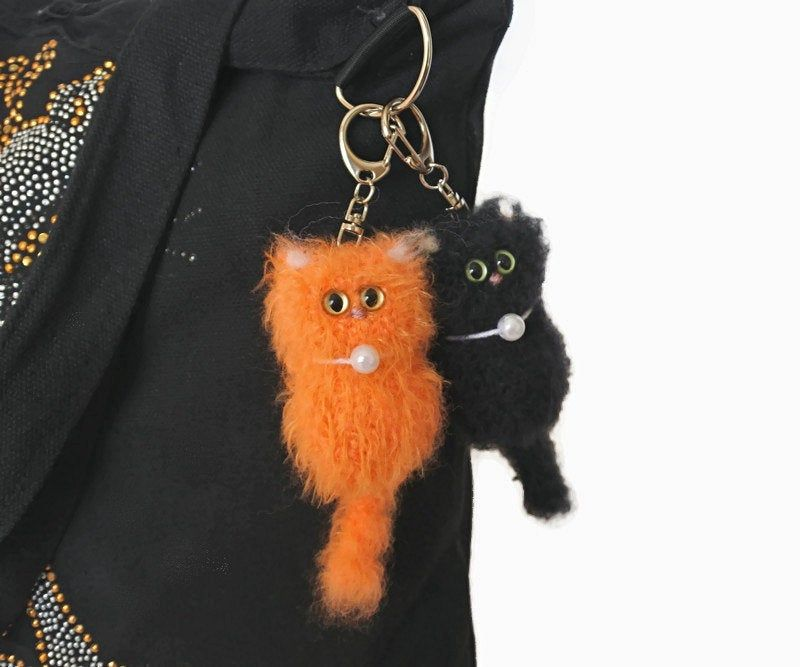 Knit cat pendant, unique bag charm, kids backpack charm, tiny cat handmade ornament keyring, plush cat keychain student gift for cat lovers