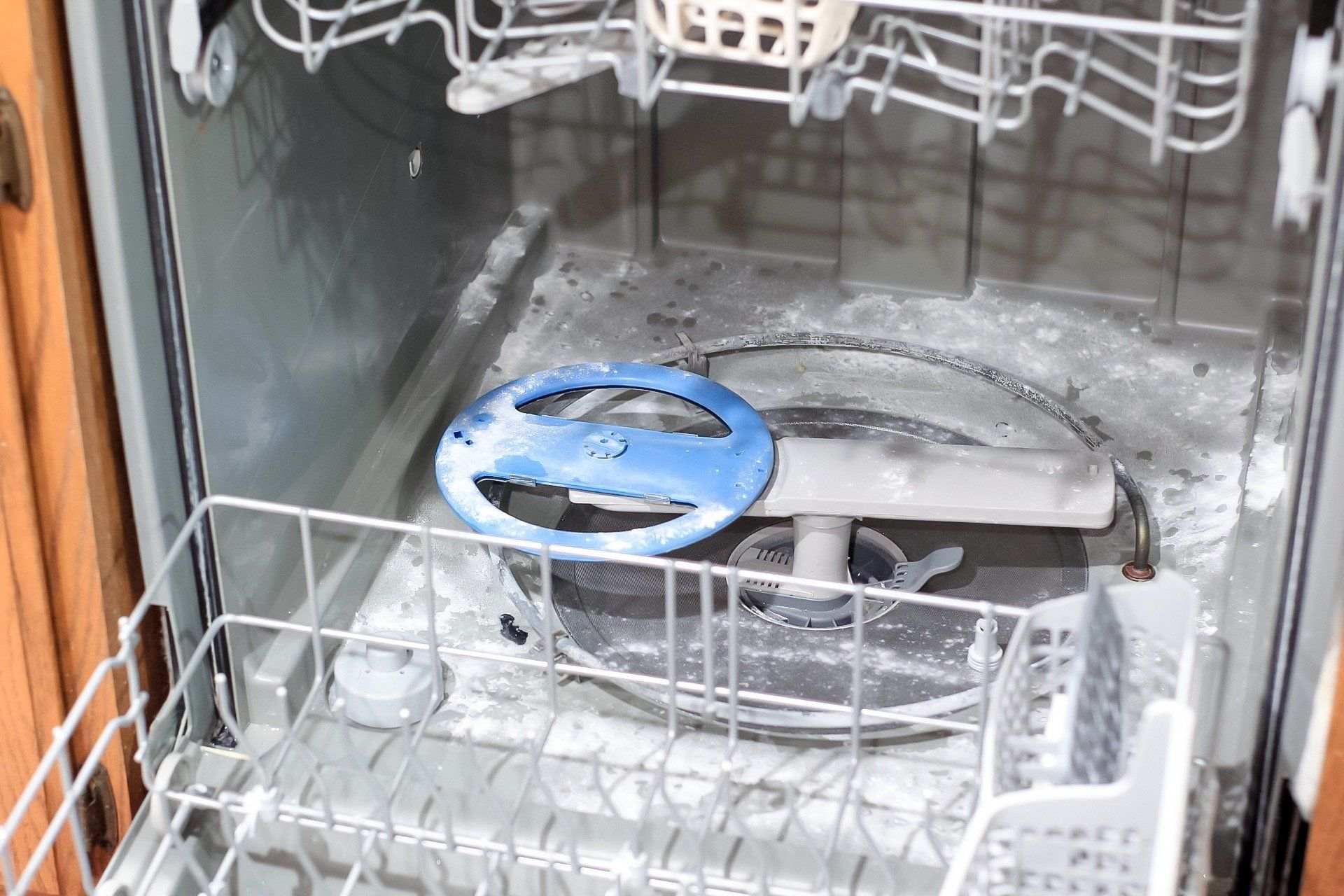 How to clean a smelly dishwasher cleaning your