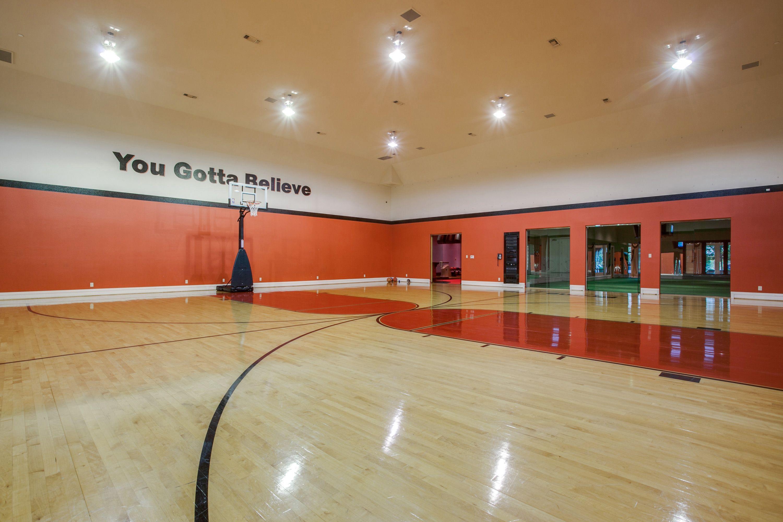 Lone Star on Preston // North Dallas, TX Indoor