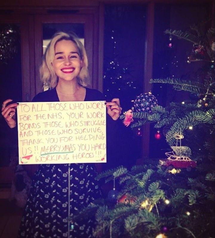Pin de Emilia P en emilia clarke   Navidades, Celebridades ...