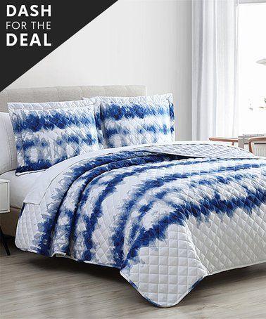 Love This Navy Amp White Yardira Oversize Stitched Quilt Set