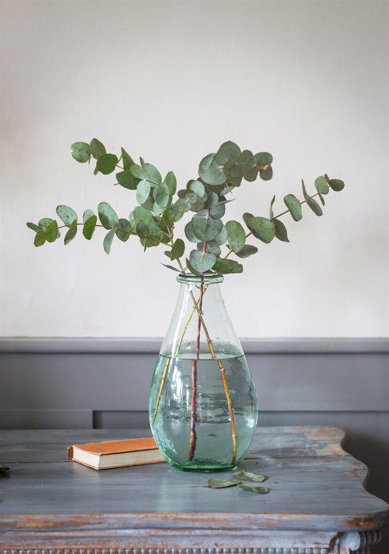 We love this teardrop shaped extra large recycled glass vase we love this teardrop shaped extra large recycled glass vase designed on the roomy side reviewsmspy