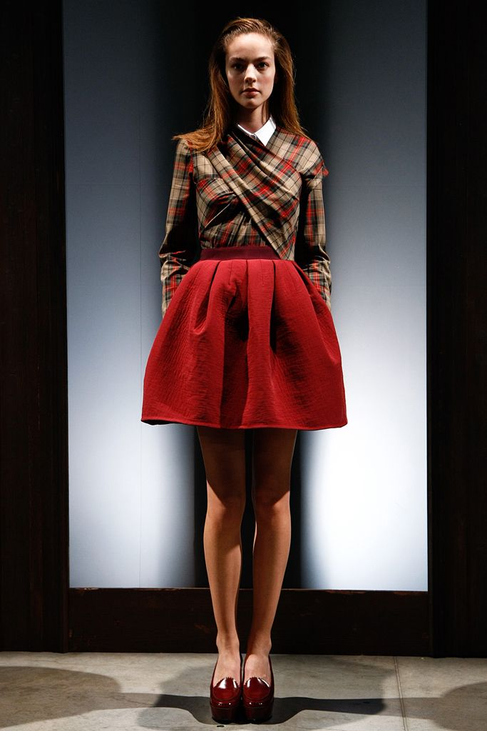 Carven | Fall 2011 Ready-to-Wear Collection | This is a sweet take on plaid