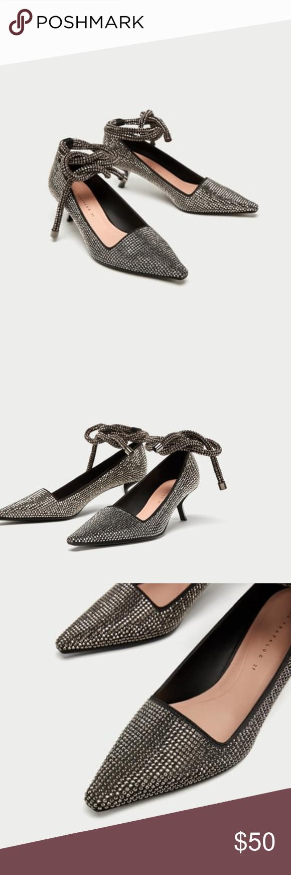 1804e077026 ZARA NEW FW17 SHINY HIGH HEEL COURT SHOES SILVER Silver mid-heel shoes.  Shiny