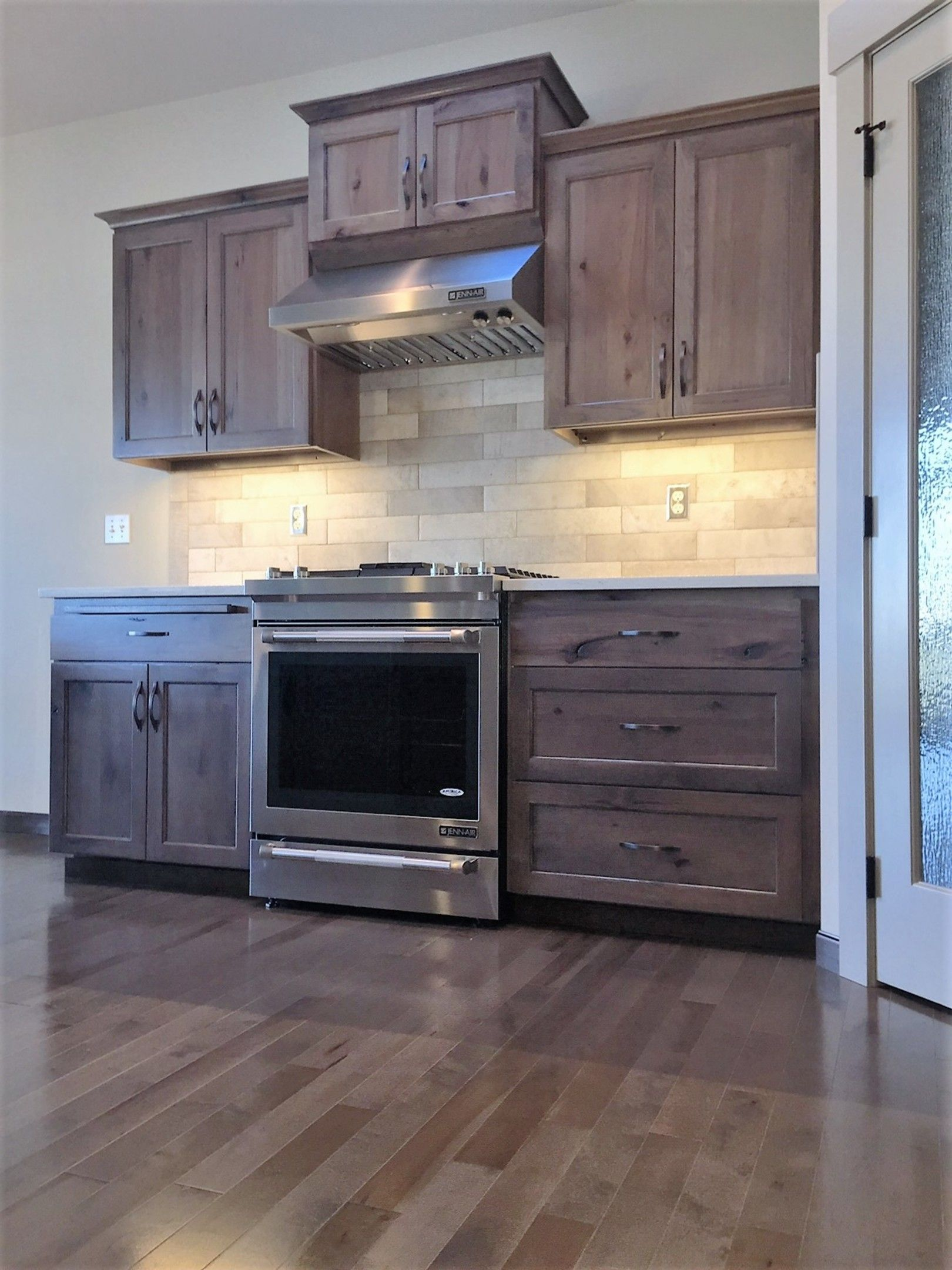 Best Affordable Custom Cabinets Showroom Kitchen Cabinets 400 x 300