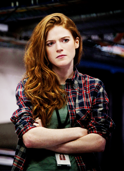 rose leslie couleur cheveux coiffures populaires. Black Bedroom Furniture Sets. Home Design Ideas