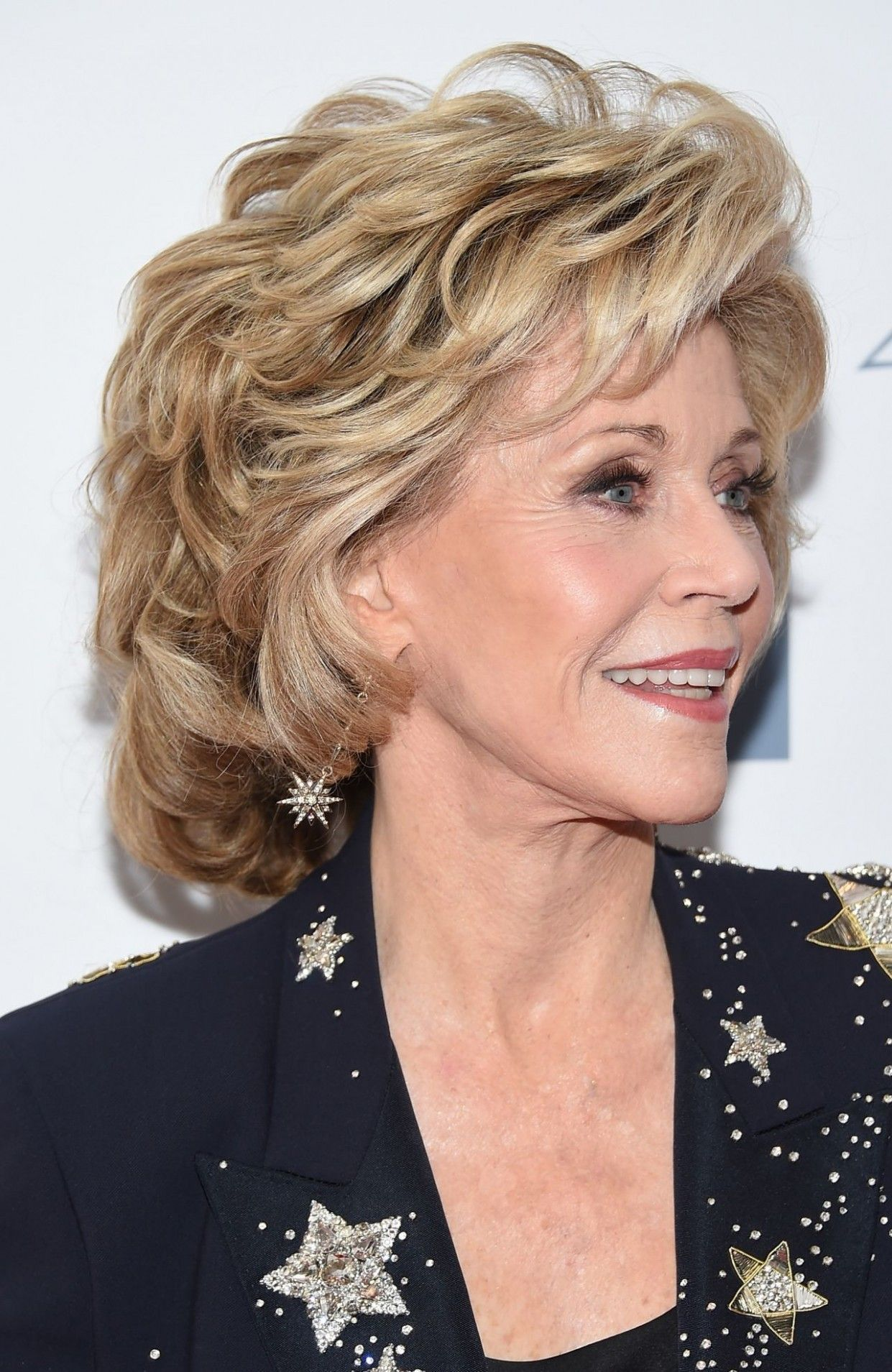 15 savory hairlook hairstyles ideas jane fonda. Black Bedroom Furniture Sets. Home Design Ideas