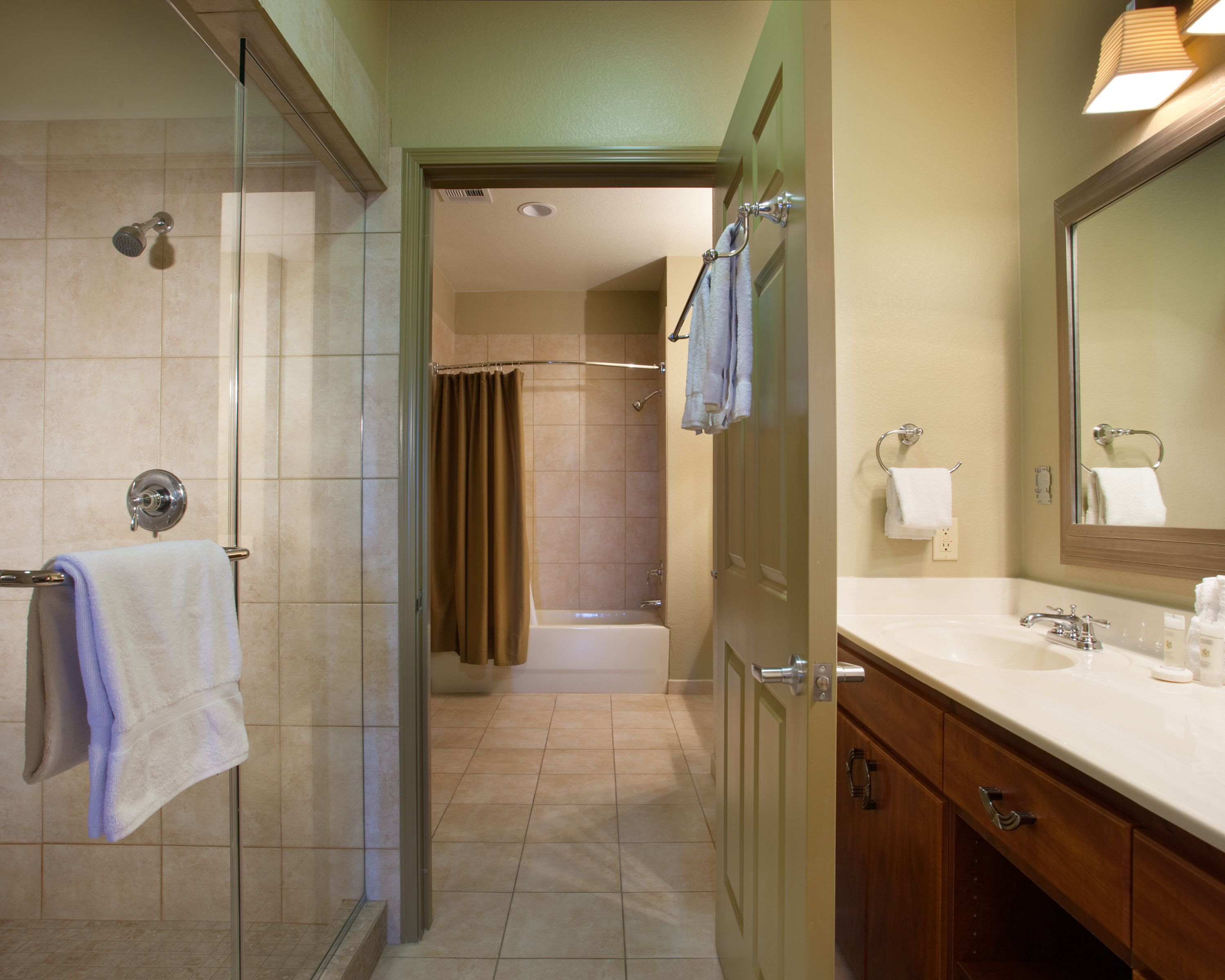 Well Ointed Bathrooms Provide The Ultimate In Comfort During Your Honeymoon To Bluegreen Vacations Club An Ascend Resort Las Vegas Nv