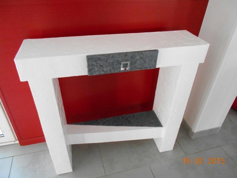 Création d\u0027un meuble en carton Antasia (console design en carton
