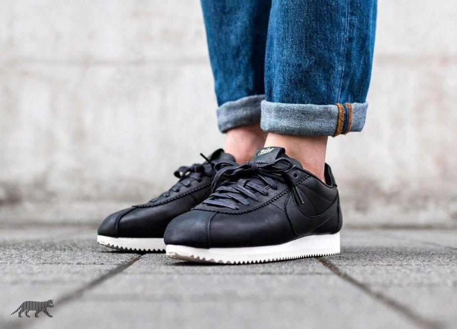sports shoes c55f3 9192a Nike Classic Cortez Premium QS TZ (Black   Black - Sail)