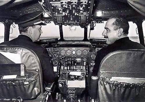 Super Constellation L749 da Panair do Brasil  durante os preparativos antes da decolagem no aeroporto das Ilhas Canárias/Espanha no início dos anos 60.