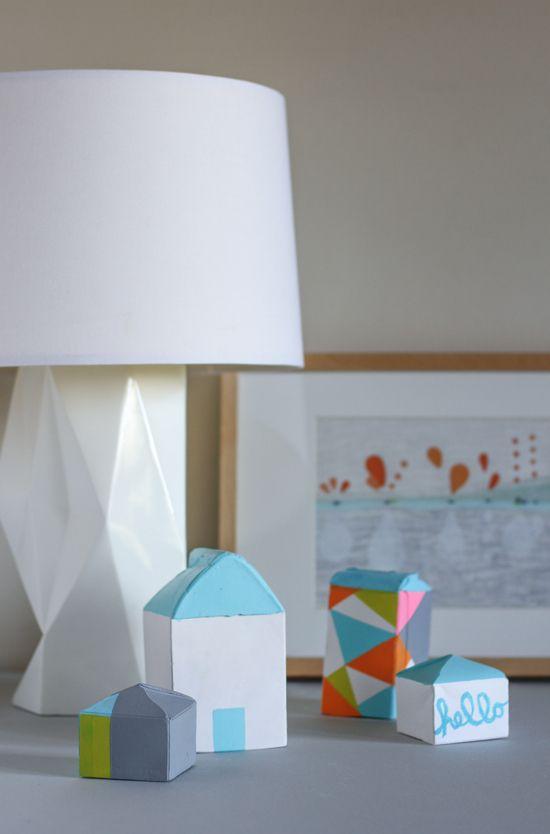 DIY // make plaster houses with milk cartons