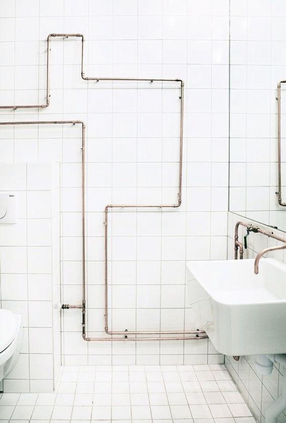 salle de bain avec tuyauterie visible recherche google