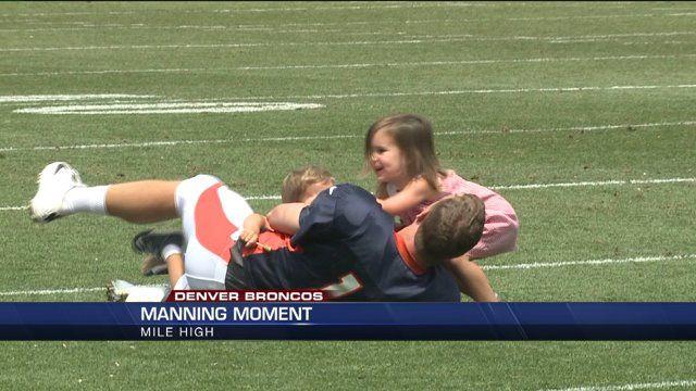 peyton manning kids. WATCH: Peyton Manning\u0027s Kids Rush The QB At Broncos Practice Manning