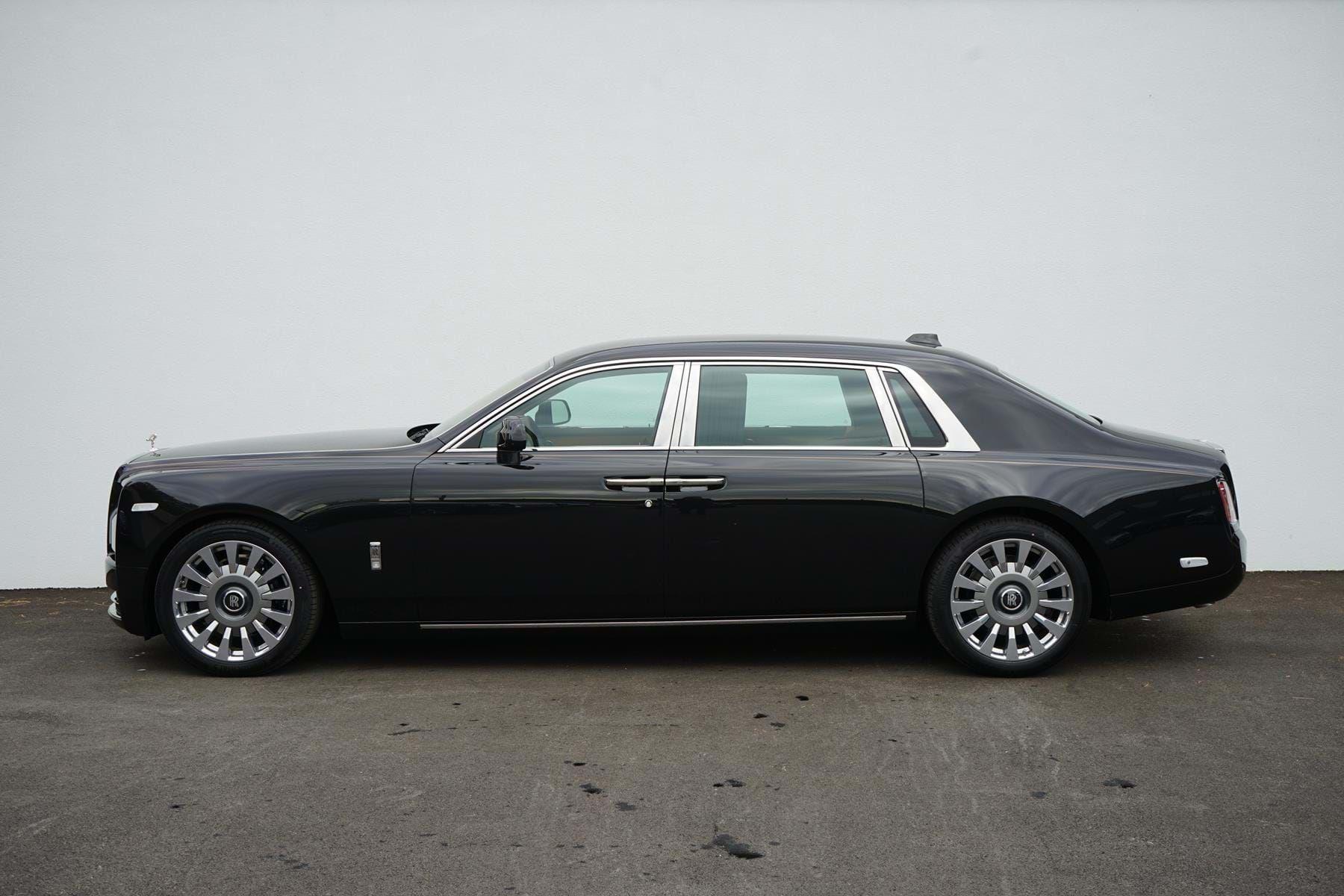 Rolls Royce Phantom Viii Extended Wheelbase Luxury Pulse Cars Swaziland For Sale On Luxurypulse Rolls Royce Phantom Rolls Royce Royce