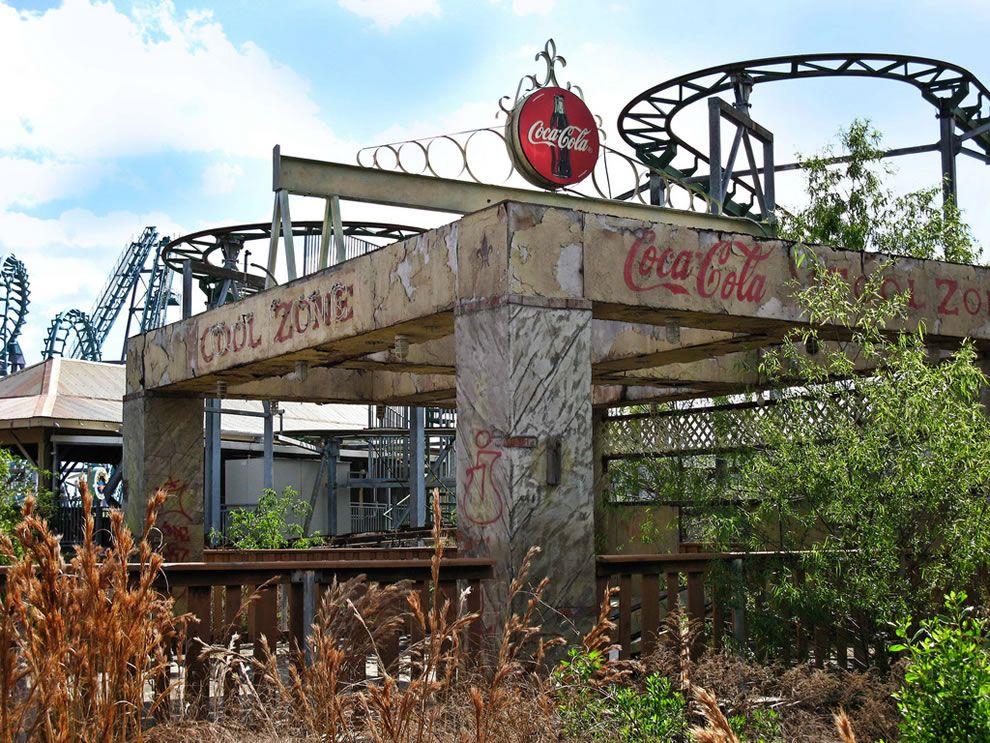 Cool Zone KATRINA Pinterest Abandoned Amusement Parks - 10 years hurricane katrina six flags theme park new orleans still lies abandoned 10 years