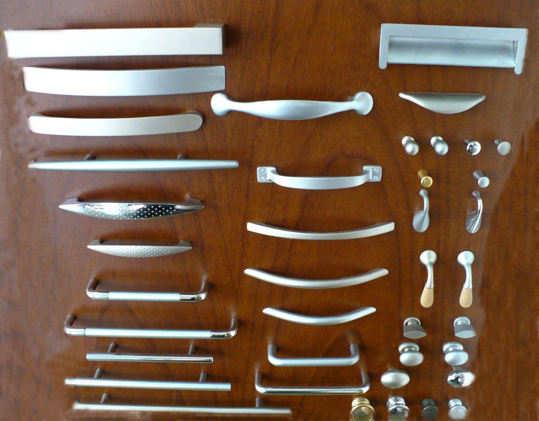 Cat 10 herrajes para muebles manijas 30201 1500 for Manijas para puertas