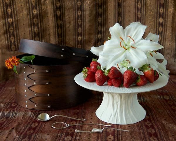 Everything you need to host the perfect party or celebration in a perfect wooden hat box