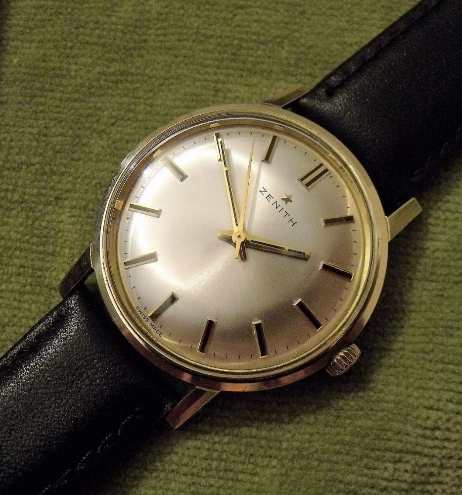 A vintage 1972 9ct solid gold zenith wristwatch the watch