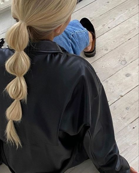 7 Quick and Effortlessly Cool Hairstyles for Busy Women With Long Hair Gallery