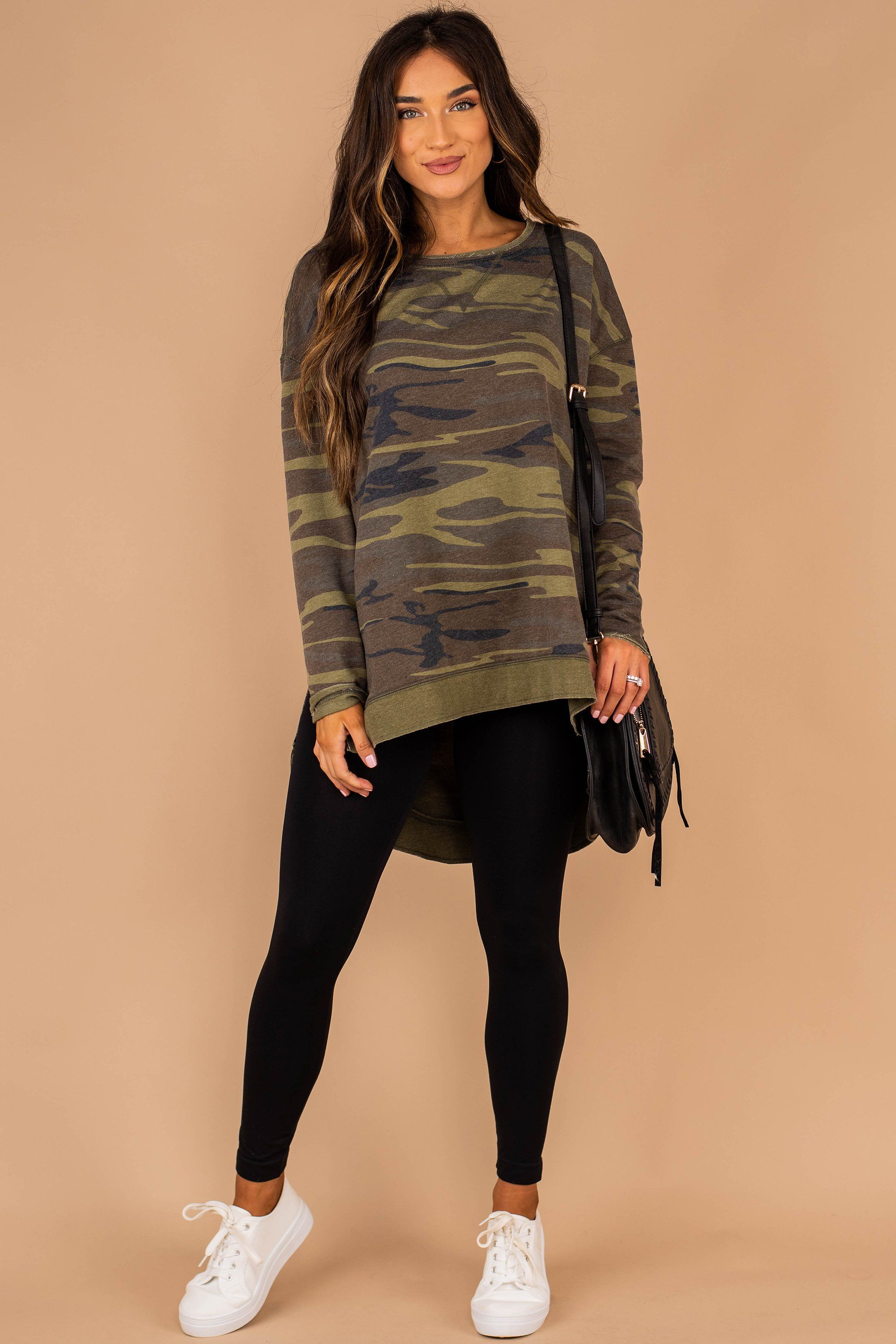 Z Supply The Weekender Olive Green Camo Top In 2020 Printed Leggings Outfit Outfits With Leggings Camo Leggings Outfit