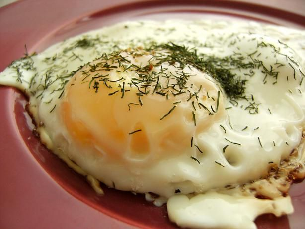 Delicious and Simple Fried Eggs With Dill