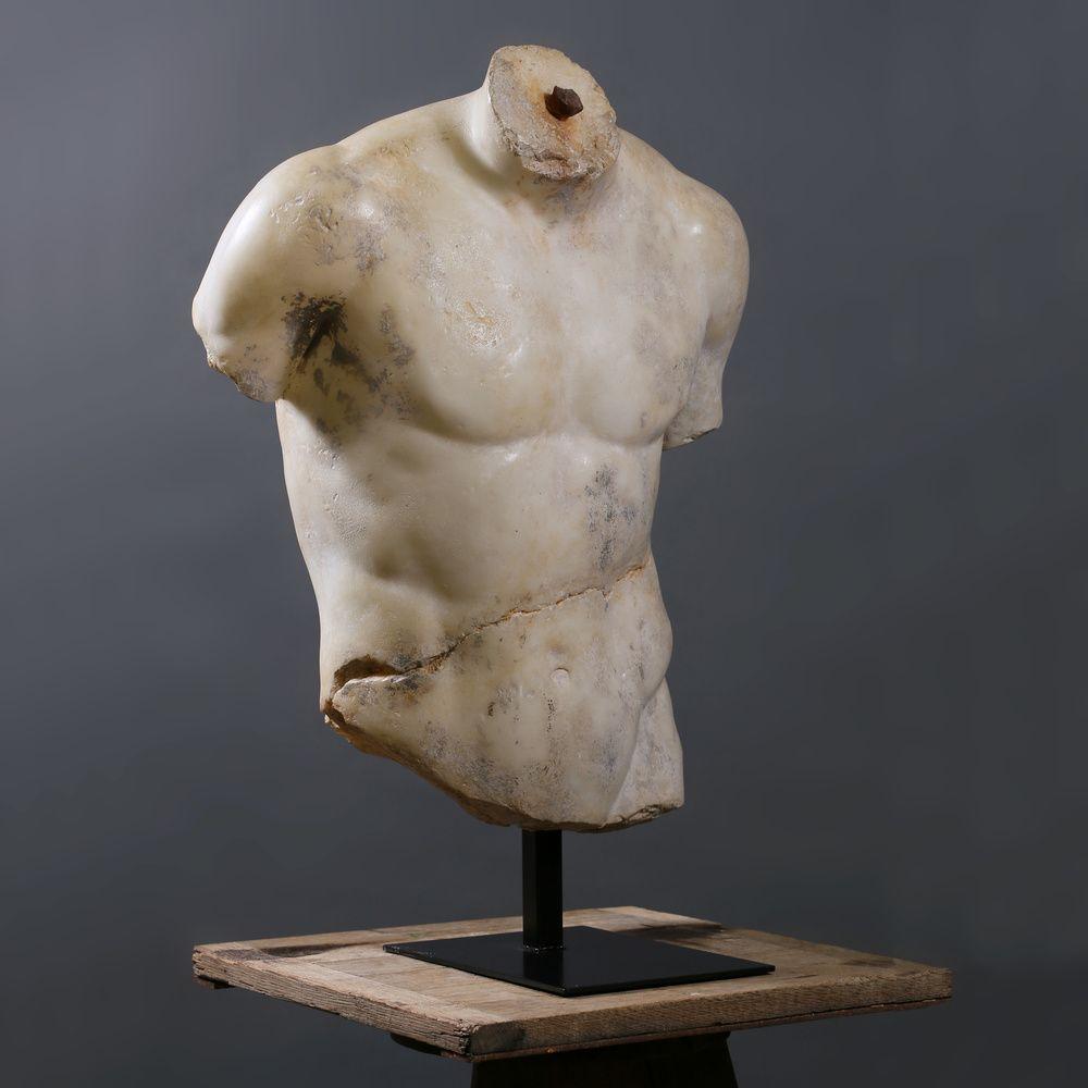 Ateliers C & S Davoy - Torse Discophore - Discophorus torso #atelierscsd #curiosité #curiosity #collection #decoration #interior #statue #antique #sculpture #fragment #art