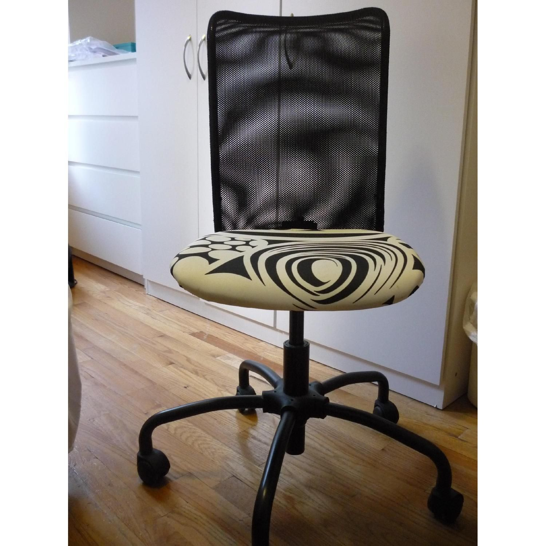 Ikea Rolling Swivel Desk Chair Swivel chair desk, Desk