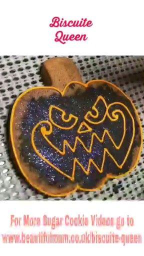 Spooky Pumpkin Cookie by Andy @kirkiescookies