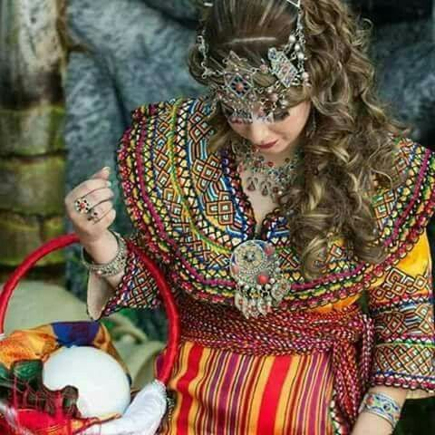Femme kabyle Inspiration berbère ♥️ Pinterest Robe
