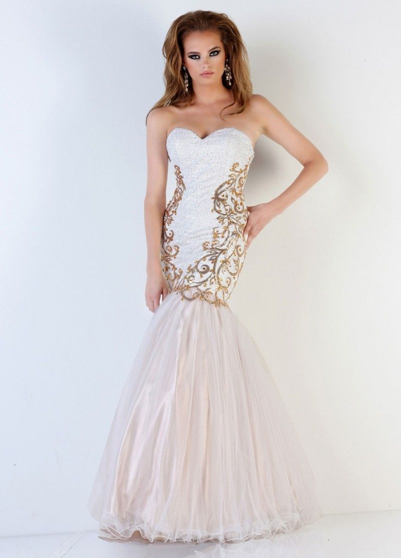Sweetheart floor length white tulle trumpet mermaid prom dress