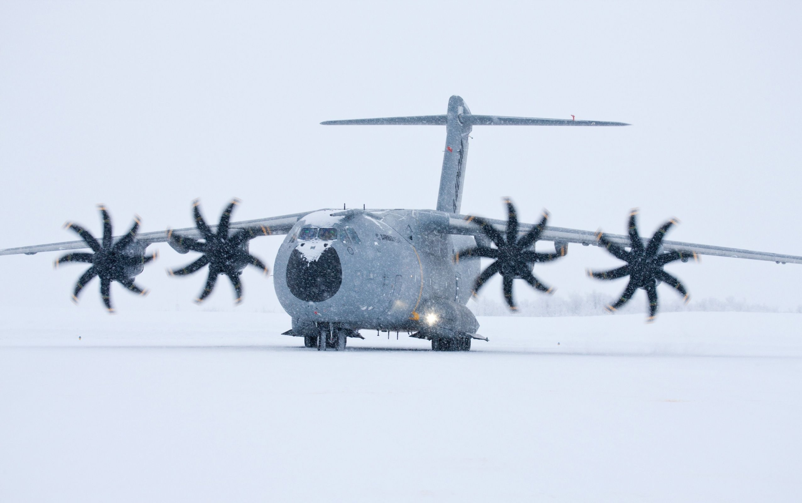 Airbus a400m atlas wallpapers 2550x1600 624141 aircraft airbus a400m atlas wallpapers 2550x1600 624141 voltagebd Image collections