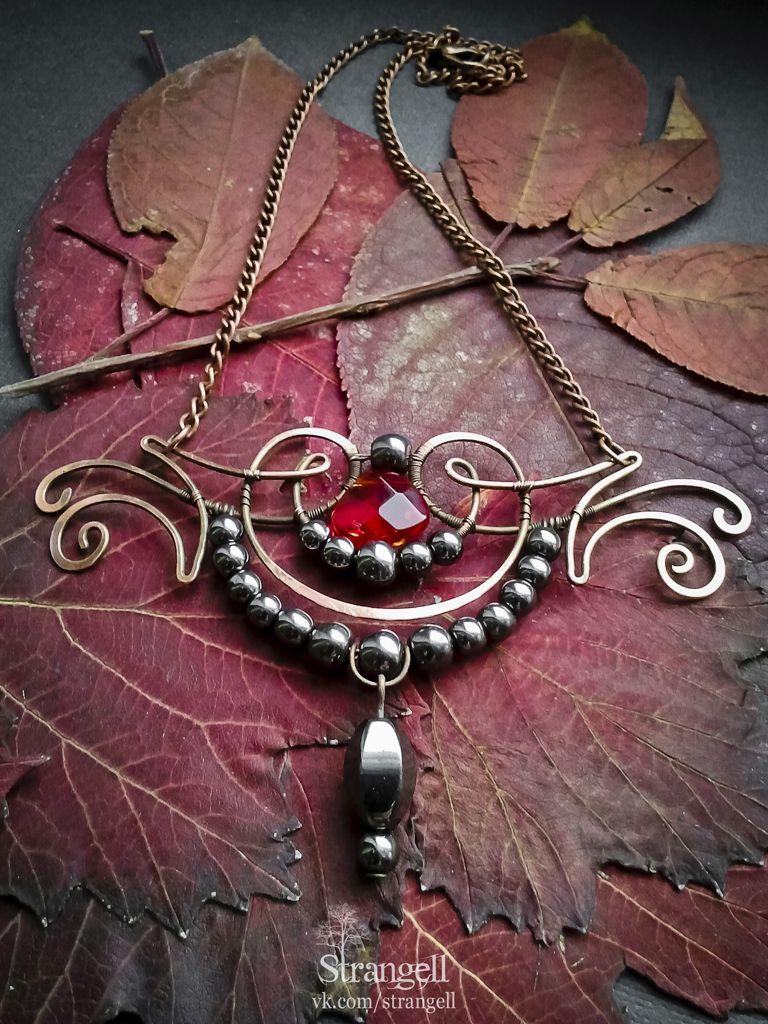 "Медный кулон с гематитом ""Тёмная Муза"" Copper pendant with hematite ""The Dark Muse""  strangell.livemaster.ru"