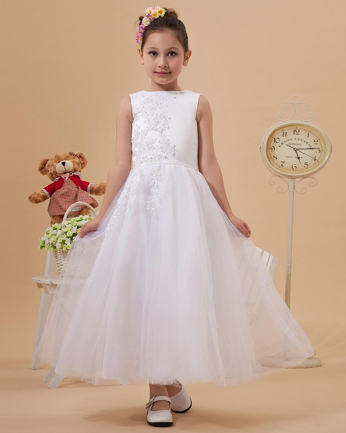 Tulle bateau neck floor length flower girl dress with appliques