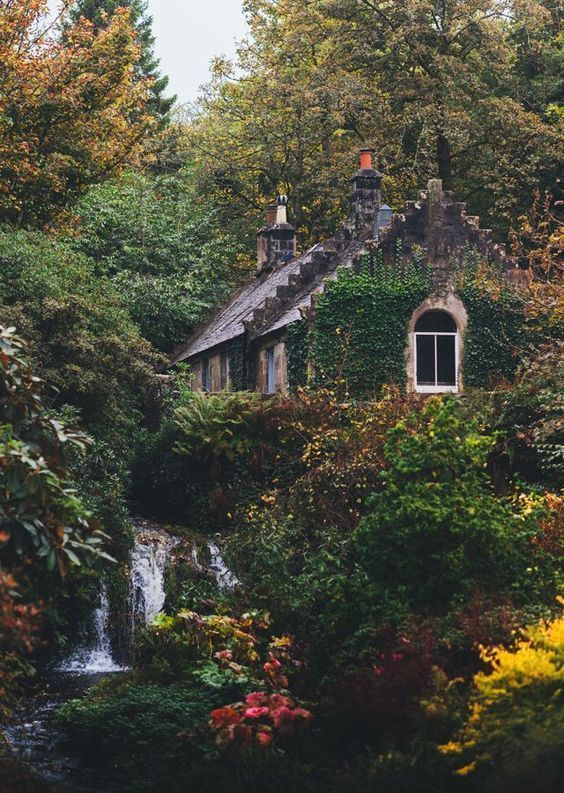 Idyllic English Country Villages - - -
