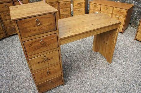 Esprit récup  des meubles en caisses de vin publié par Rue des