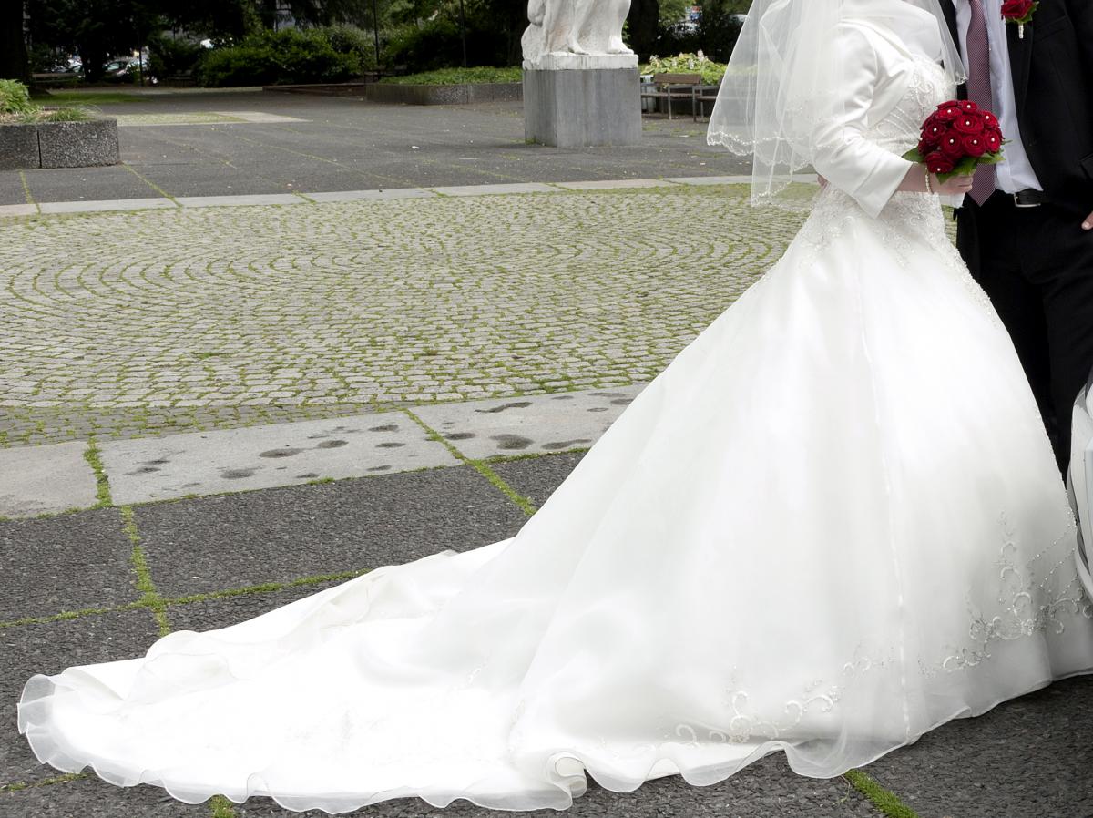 ♥ Brautkleid/ Hochzeitskleid ♥ Ansehen: https://www.brautboerse.de ...