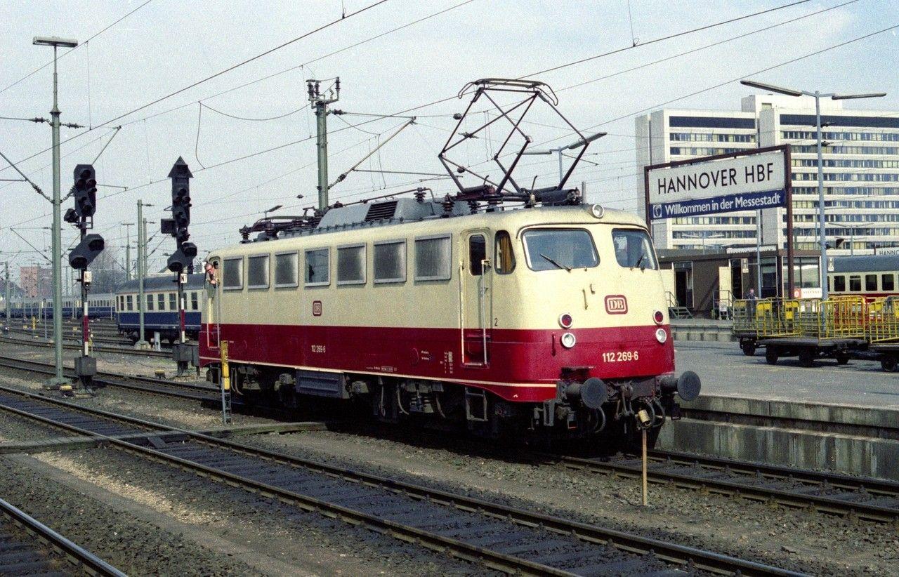 112 269 ebenfalls beim Umsetzen. Hannover Hbf am 16.04