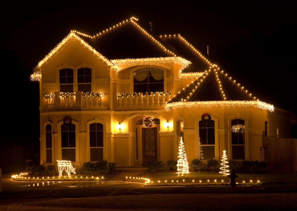 Classy Christmas Homes With Lights She S Having A Baby Maybe Belonging Matter Outdoor Christmas Decorating With Christmas Lights Outdoor Christmas Lights
