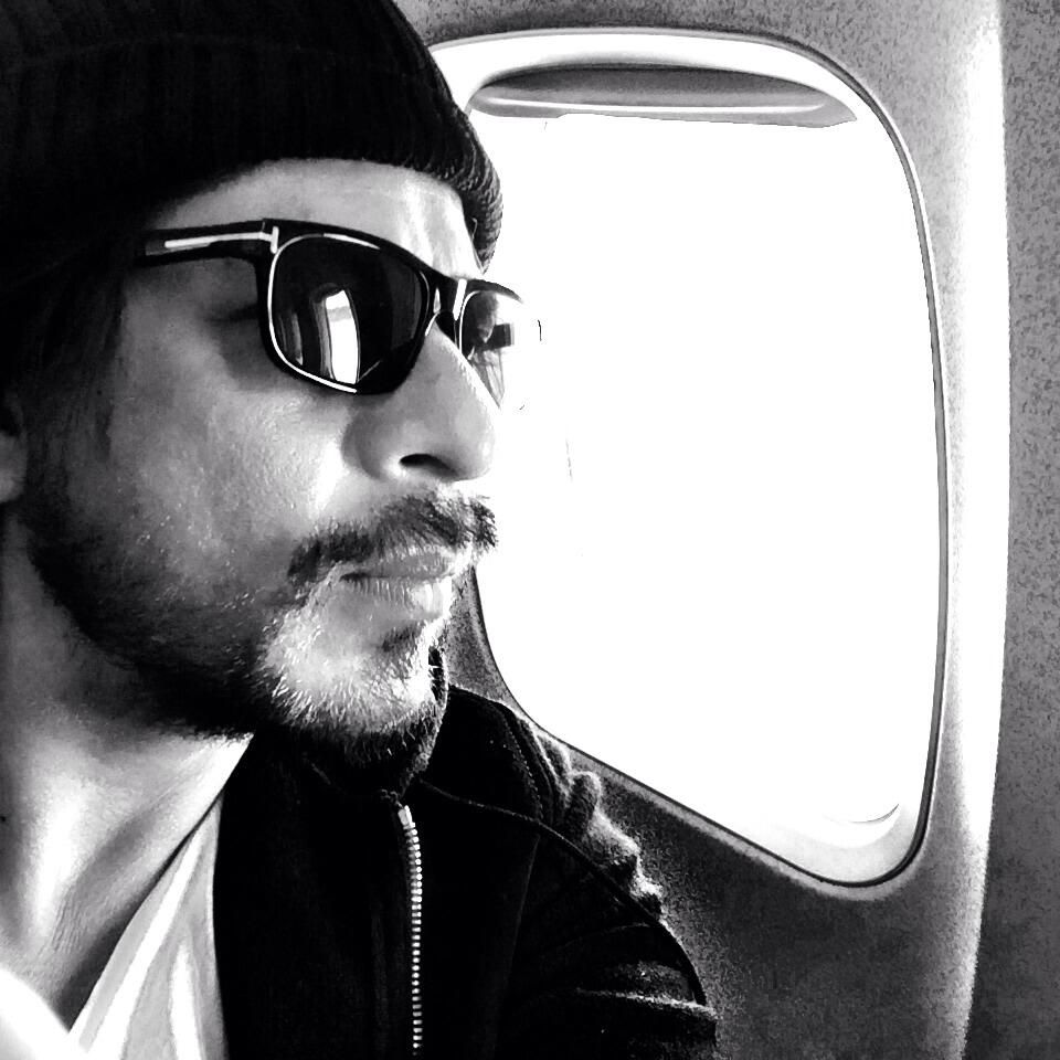 9 Nov 2013 Twitter / iamsrk: I do find myself looking forward to eating on flights and the food they serve...though have never been a foodie.