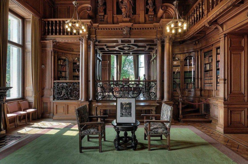 Villa Hugel built 1873 Essen Germany. Photo by Kiekmal on