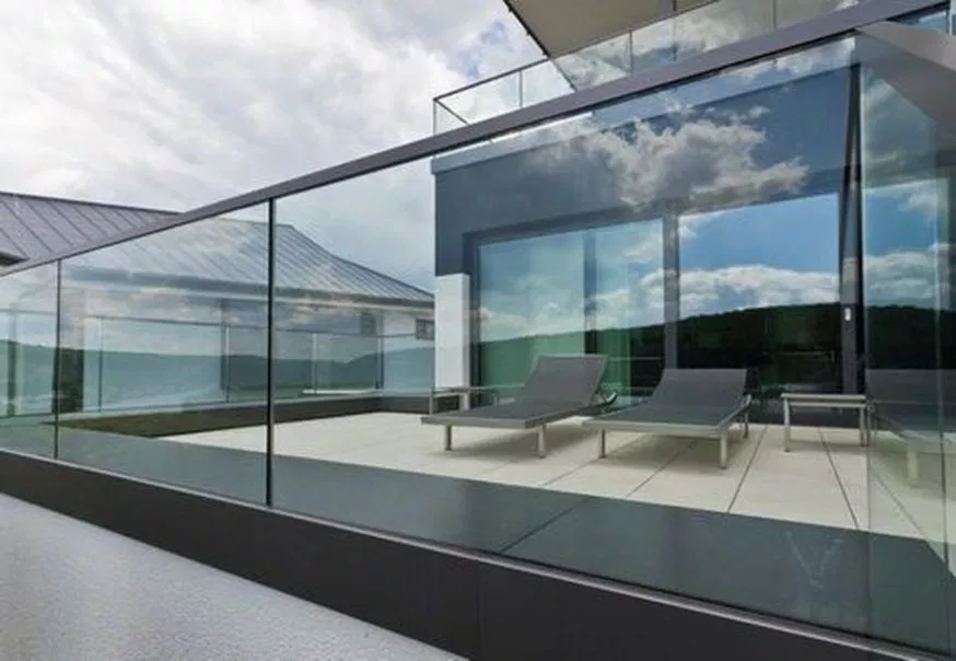 50 Incredible Glass Railing Design for Home Blacony 20 ...