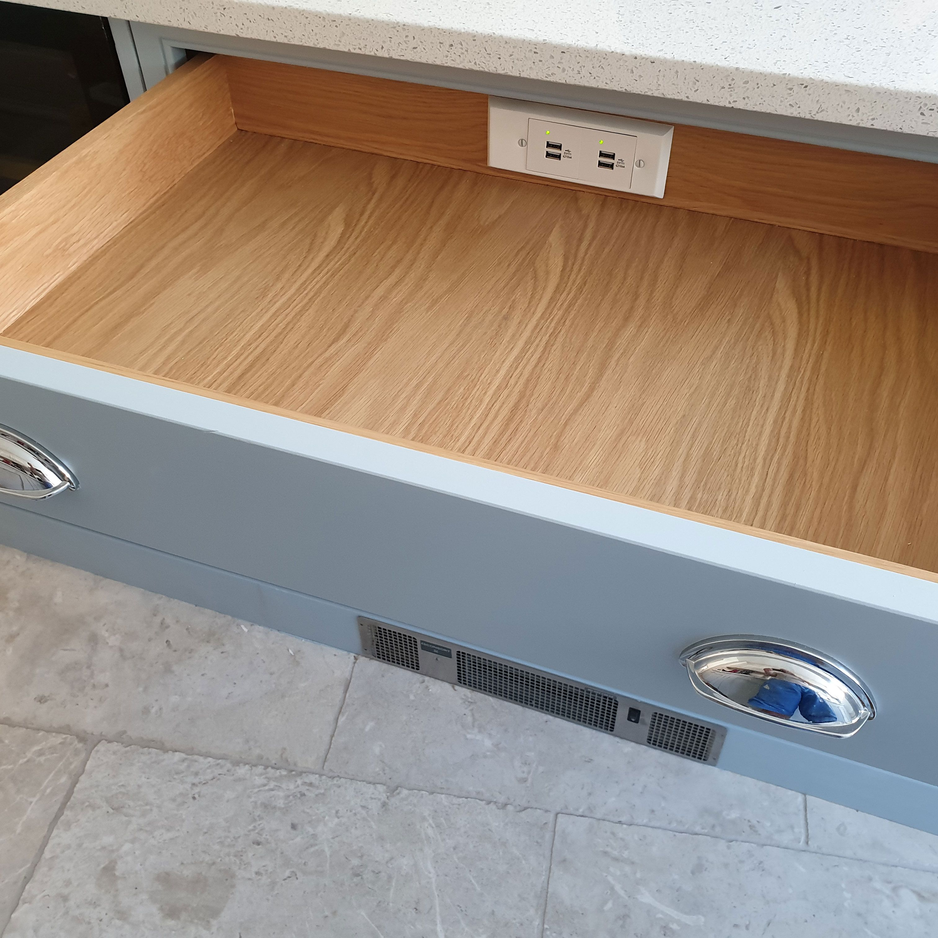 International Outlets Drawers Drawer Space Outlets