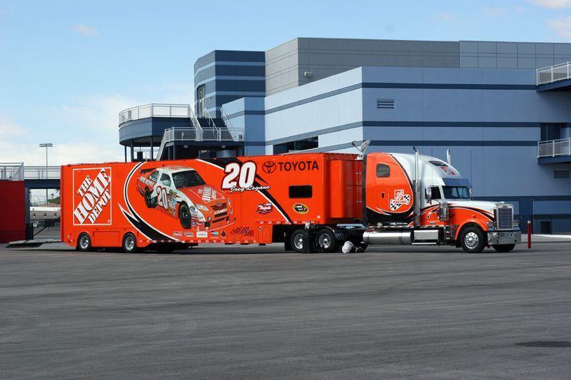 20 Home Depot Nascar Trucks Freightliner Classic Big Trucks