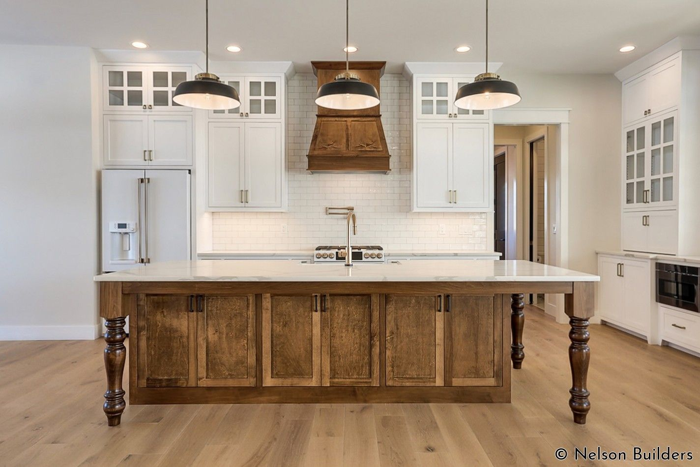 The 10 Foot Ceilings In This Farmhouse Kitchen Are Balanced Out With Full Height Cabinetry An In 2020 Farmhouse Kitchen Design Elegant Master Bedroom Built In Bookcase